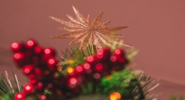 Choose the right Christmas tree topper