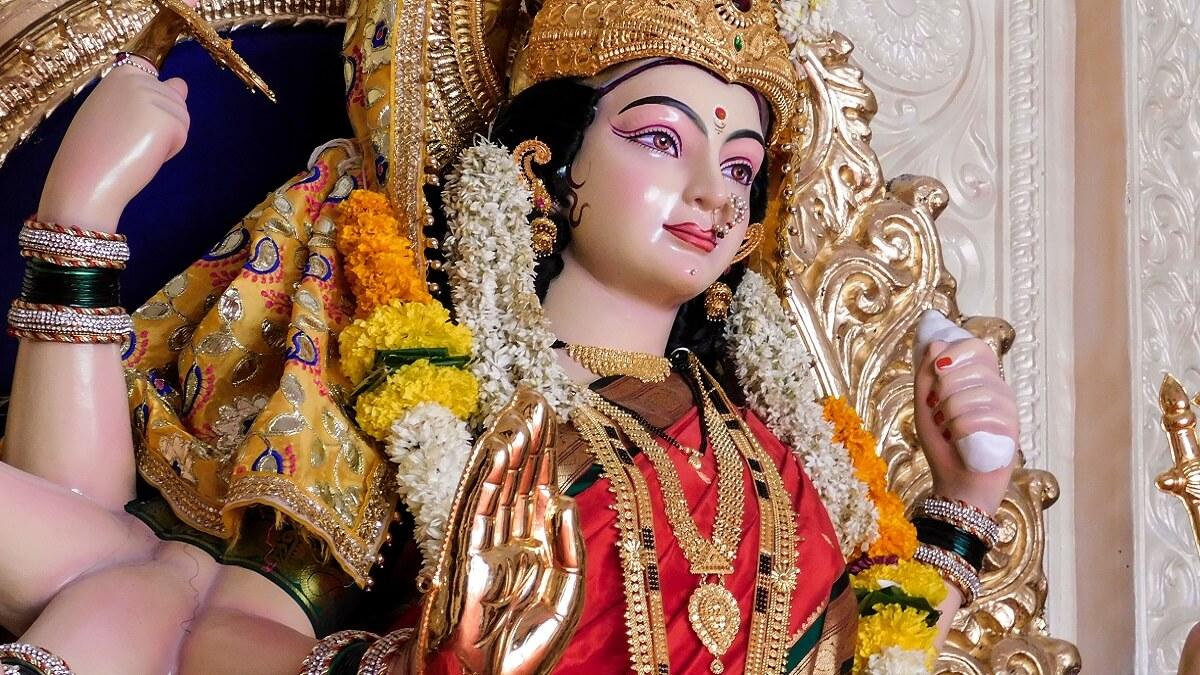 Maa Durga Ji Ki Aarti with Lyrics