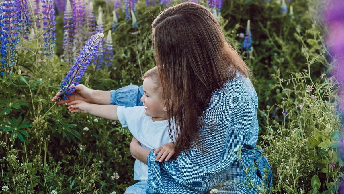 Share Happy Mothers Day 2021 Quotes, Images, Greetings Card, Wishes in Hindi,Sanskrit,Gujarati,Urdu,Tamil,Malayalam,Telugu,Kannada,Odia,Marathi,Bangla,English,Punjabi for Instagram, Facebook, Whatsapp to your friends and family